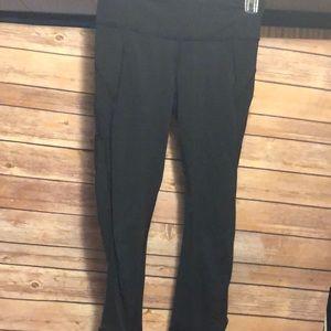 lululemon athletica Pants - Lu Lu Lemon Capri leggings size 6